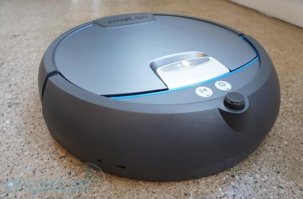 iRobot Scooba 390 hands-on -- now with 30 degrees more circle (video)