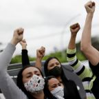 Brazil COVID: Hundreds protests as capital begins two-week lockdown