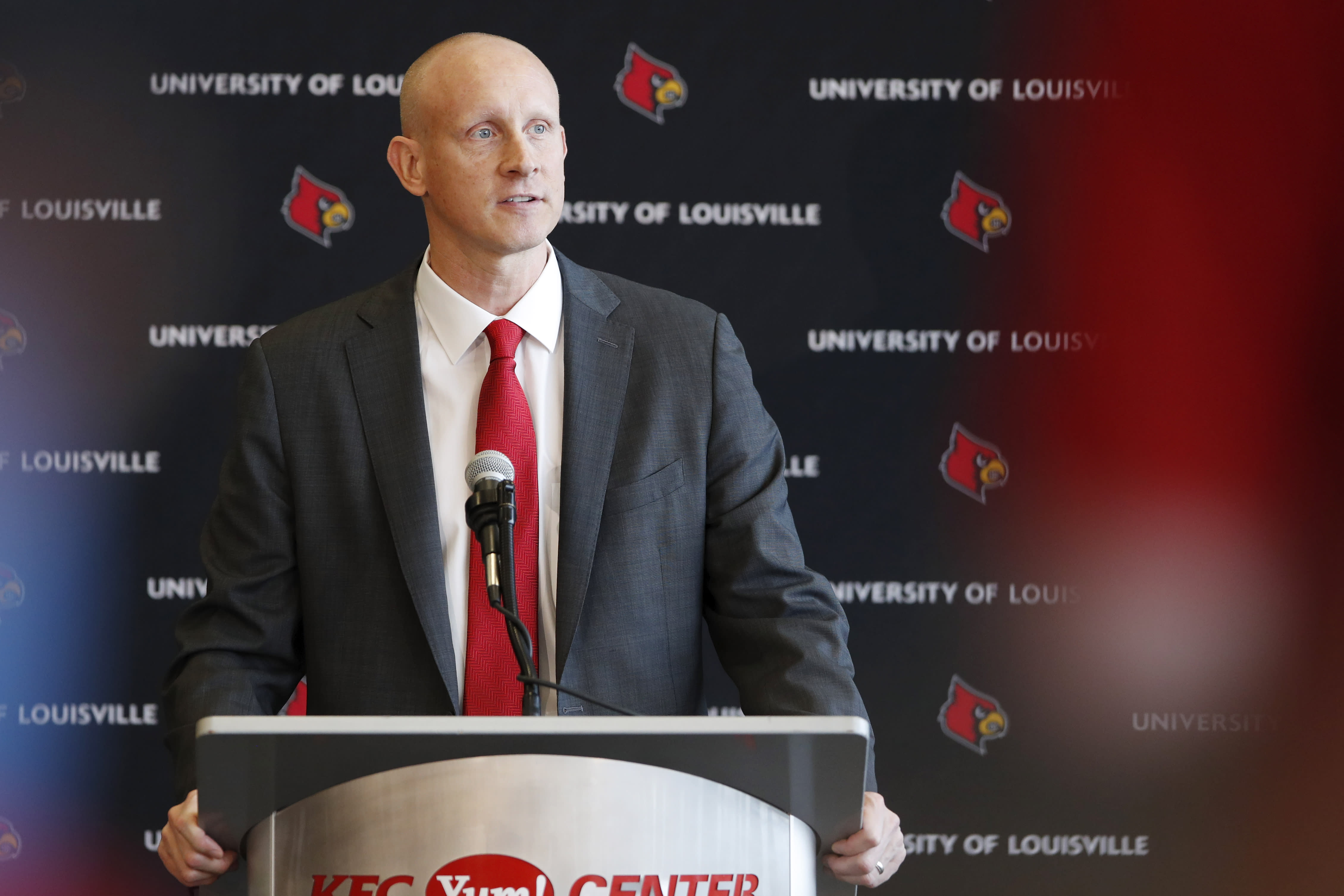Chris Mack risks it all for scandal-plagued Louisville - photo#4