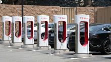 Tesla will limit charging to 80% at busy supercharger stations