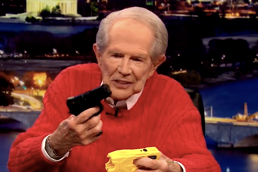 'Pro-police' televangelist Pat Robertson throws out Derek Chauvin, Kim Potter, says 'we can't have a bunch of clowns' controlling the US