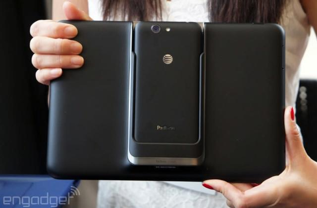 Hands-on with the PadFone X: ASUS' phone-tablet hybrid arrives in the US