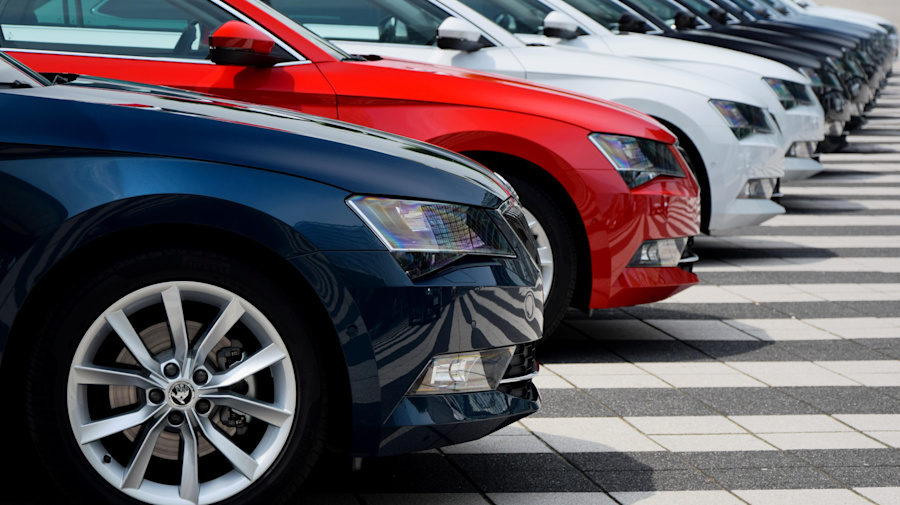 Pros and cons: car subscription vs car purchase
