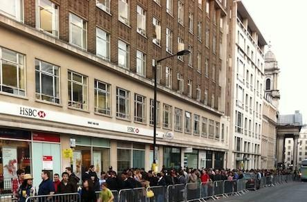 iPad 2 international launch causes people to line up in line all over again (updated)