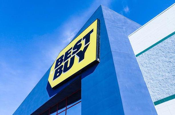 Apple Pay hits Best Buy's app, coming to stores later this year