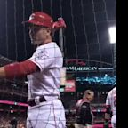 Joey Votto absolutely schooled these hecklers on camera
