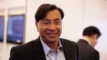 Billionaire Mittal Closer to India Entry as Essar Bid Favored