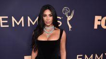 Kim Kardashian sorprende con un vestido oriental vintage de Dior