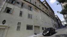 Dupla misteriosa pinta parede tombada sem aval de convento de São Paulo