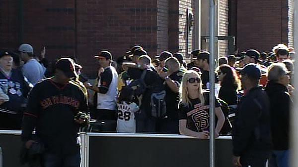 Giants, fans rally for Game 1 of World Series