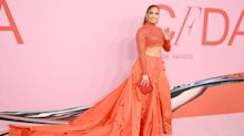 J.Lo flashes hint of Spanx during recent wardrobe malfunction