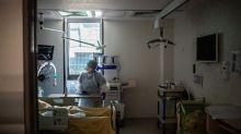 """Coronavirus: plainte pour """"homicide involontaire"""" après la mort d'un médecin dans le Jura"""