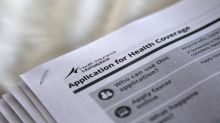 U.S. government sees 1 million more people on Obamacare exchanges in 2017