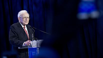 "Warren Buffett Letter: Buffett Writes To Shareholders On ""Recent Drought Of Acquisitions"""