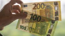 El euro cae a su nivel más bajo frente al dólar en casi tres años