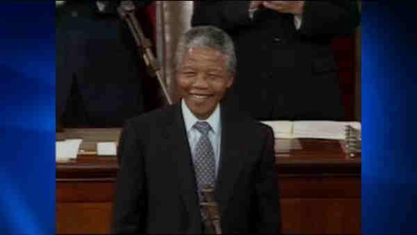 Report that Nelson Mandela on life support