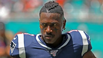AB blames everyone for downfall in Twitter rant