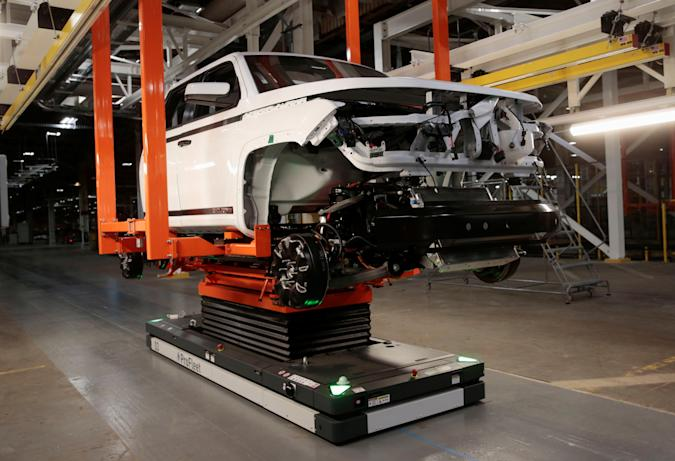 A Lordstown Motors pre-production all electric pickup truck, the Endurance, is merged with a chassis at the Lordstown Assembly Plant in Lordstown, Ohio, U.S., June 21, 2021.  REUTERS/Rebecca Cook