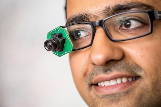Smart glasses could stream video without killing your battery