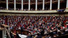 167 députés de la majorité défendent la nomination de Gérald Darmanin dans une tribune