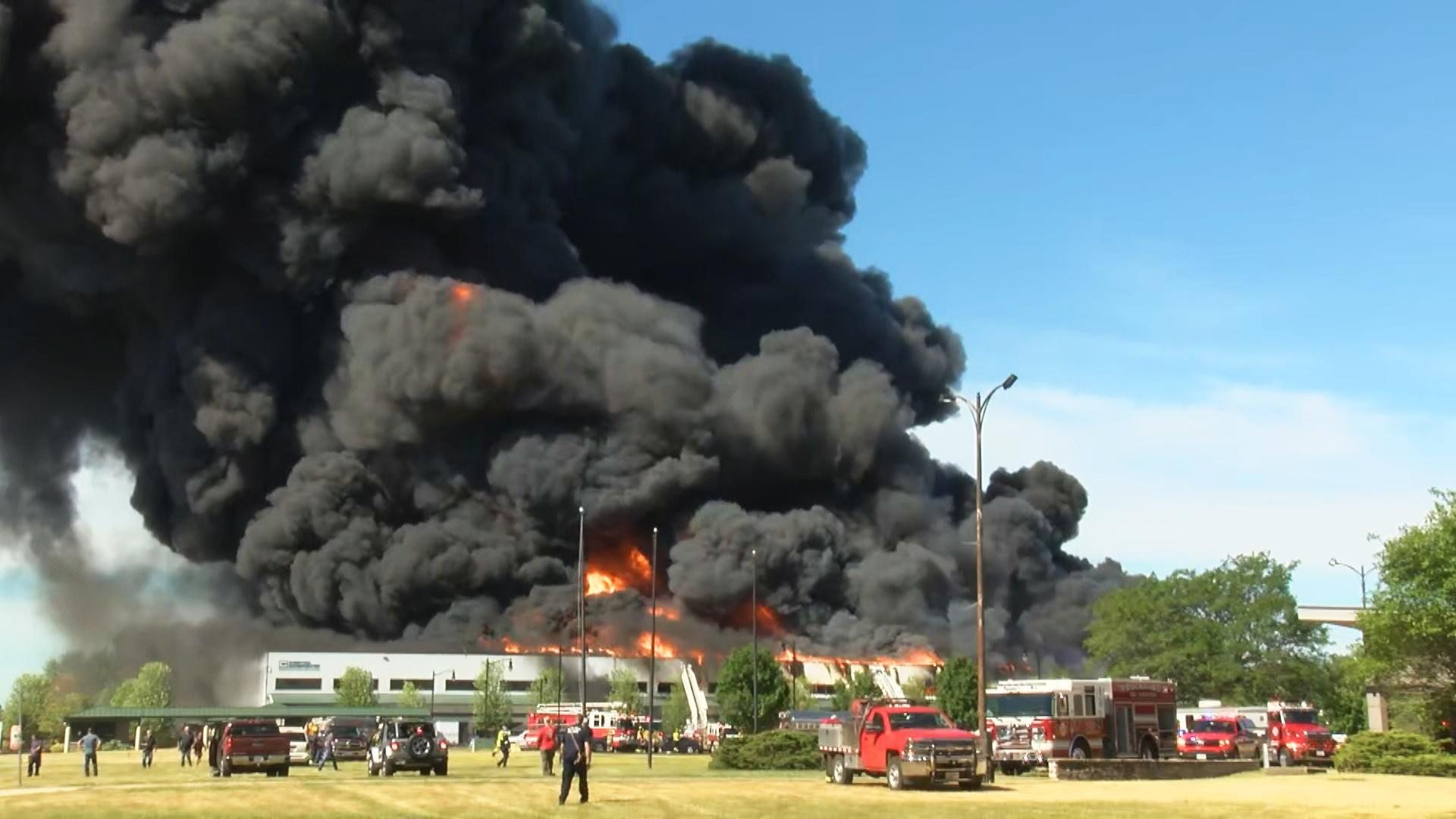 Fire at Illinois chemical plant could cause 'environmental nightmare'