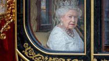 Pound Falls as Johnson Seeks Parliament Suspension Before Brexit