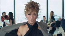 Jennifer Lopez demuestra en su nuevo videoclip con Maluma que se mantiene increíble a sus 51 años