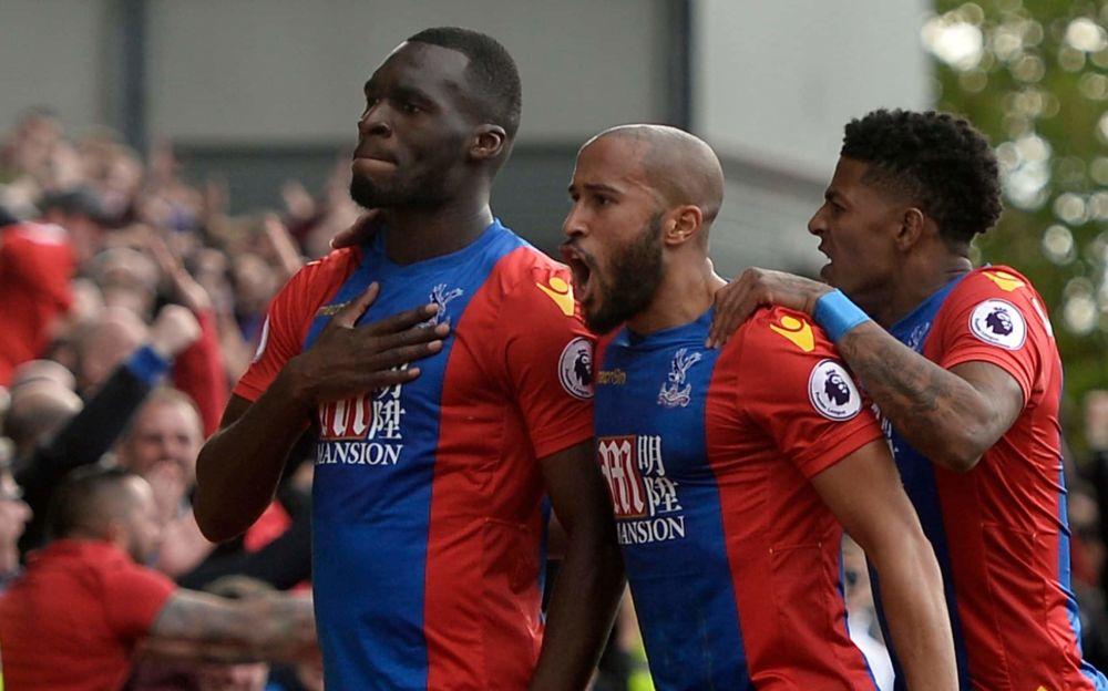 Crystal Palace's Christian Benteke (L) celebrates making it 2-2 - REUTERS