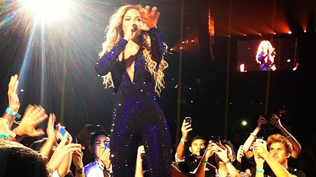 Video: Robert Pattinson Leads a Who's Who of Stars to Beyoncé's LA Show