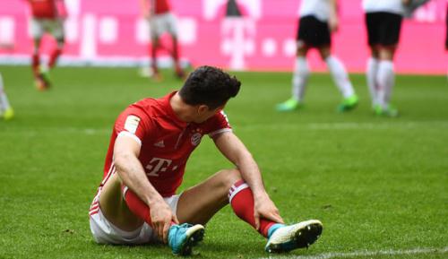Bundesliga: Lewy-Agent schimpft über Schiri