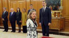 ¿Tiene Nadia Calviño que dejar de ser ministra para presidir el Eurogrupo?
