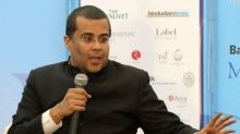 When Chetan Bhagat got trolled on Twitter with the most hilarious tweets