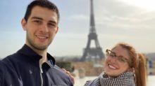 Filho de Fátima Bernardes posa com a namorada na França