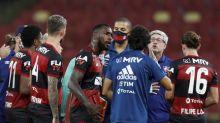 Treinador do Fluminense, Odair Hellmann se irrita com postura de auxiliar de Jorge Jesus