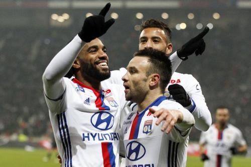 Lyon surclasse Metz et consolide sa 4e place