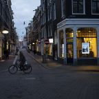 Dutch govt to beef up lockdown amid fears about new variants