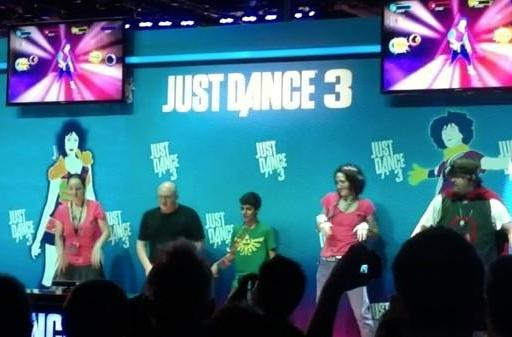 Seen@PAX: Jerry Holkins just dances