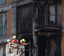 New Providence Wharf fire: Blaze at tower blocked wrapped in 'Grenfell cladding' tackled by more than 100 firefighters