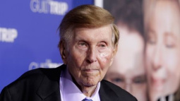 Redstone granddaughter agrees to case dismissal, helps broader deal