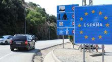 Turistas franceses viajam para Catalunha apesar de alerta por surto de coronavírus