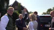 Waltzing with Putin: Russian president attends Austrian FMs wedding