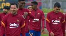 Messi retorna aos treinos com Barcelona