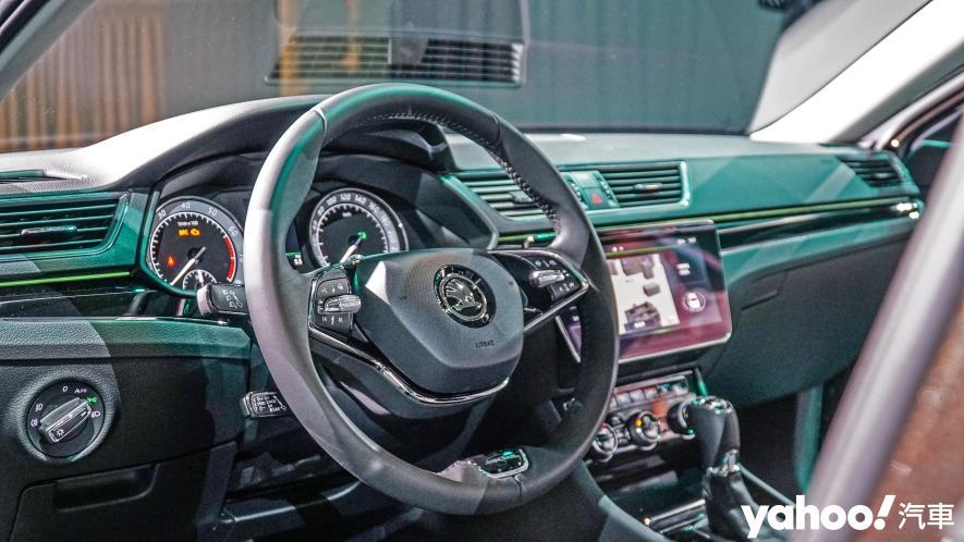 小改款也能脫胎換骨!超級房車2021 Škoda Superb Limo & Combi車型聯袂登場! - 8