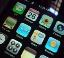 iPhone 2.0 firmware will ship in early July, touch users pay $9.95