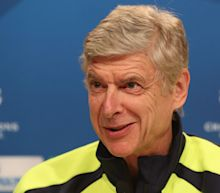 Arsenal boss Wenger dismisses PSG talk as 'fake news'