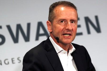 volkswagen-ceo-interested-in-tesla-stake-manager-magazin