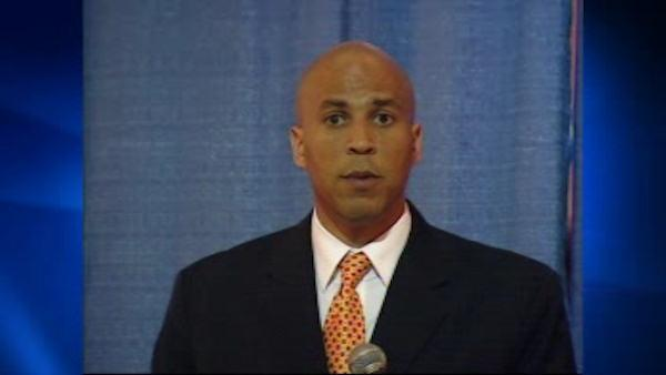 Lonegan questions Booker's sexuality, Booker responds