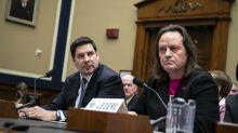 The Senate Democrats Running For President Oppose The T-Mobile-Sprint Merger