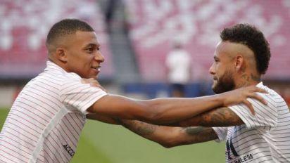 Foot - C1 - PSG - Ligue des champions : Navas, Mbappé et Neymar (PSG) parmi les nommés pour les trophées de meilleurs joueurs