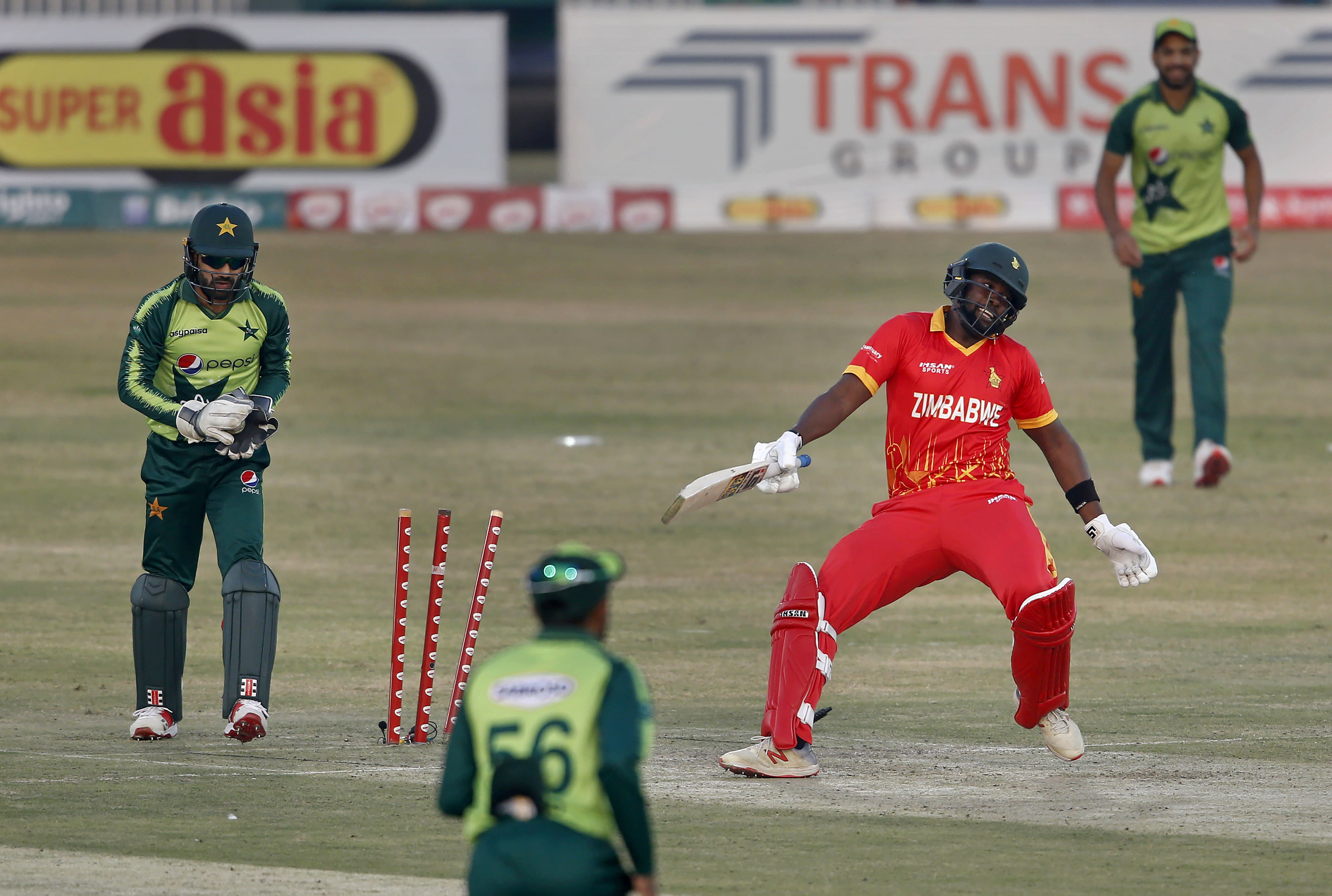 Ali, Qadir lift Pakistan to another big win over Zimbabwe